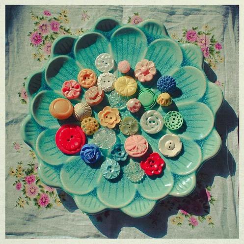 http://petitevanou.tumblr.com/