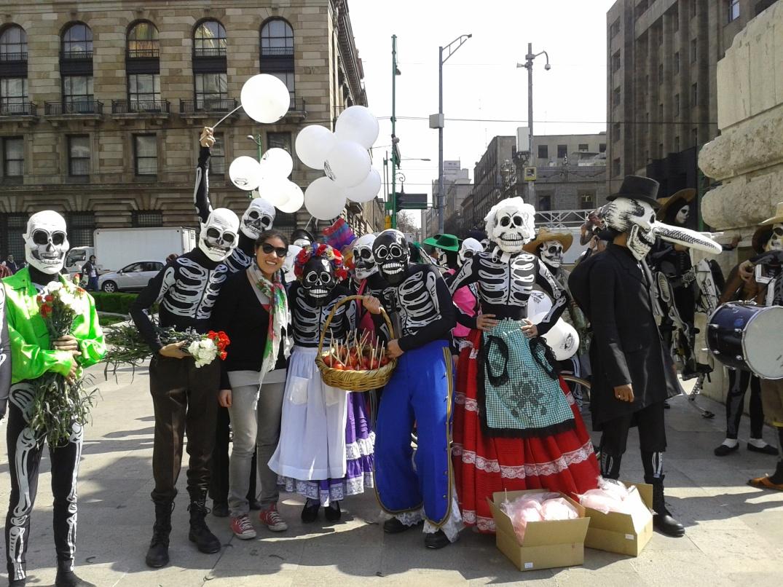 INCREIBLE EL MOB AFUERA DE BELLAS ARTES! TODOS LOS PERSONAJES DE POSADA : LIVE!